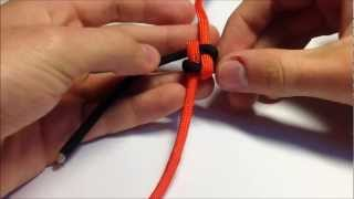 How To Tie / Make A Paracord Box / Square Knot Lanyard