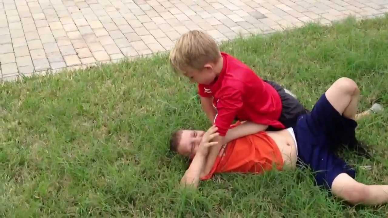 fight boy gay: