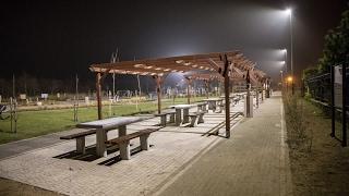Ponad 60 nowych lamp, które połączyło 2100 metrów sieci kablowej, stanęło w Karwi, Ostrowie, Tupad