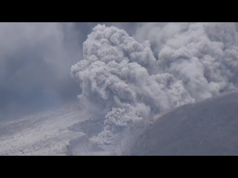 Thousands evacuated in Indonesia as Mount Sinabung volcano continues to erupt