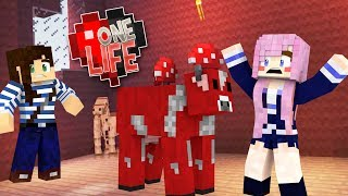 PRANKING LIZZIE FAIL (SHE CAUGHT ME!!!) - ONE LIFE SMP (EP.4)