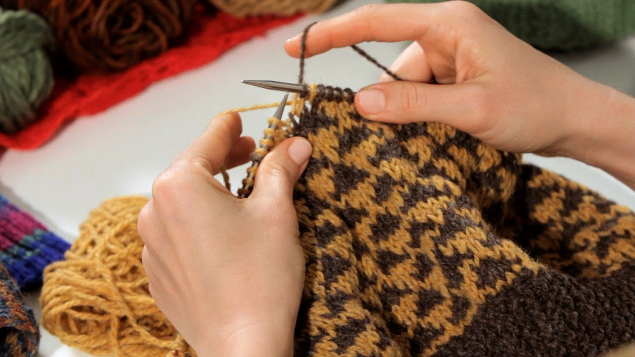 Knitting With Two Colors At The Same Time : How to knit with two colors knitting youtube