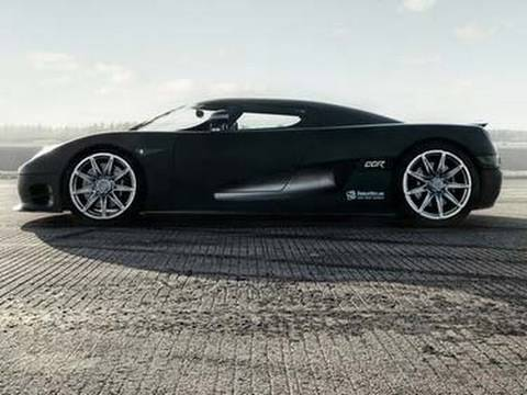 1080p: Koenigsegg CCR Evolution launching from rolling start to 300+ km/h (186+ mph)