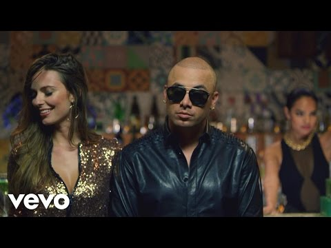 Wisin - Vacaciones (Official Video)