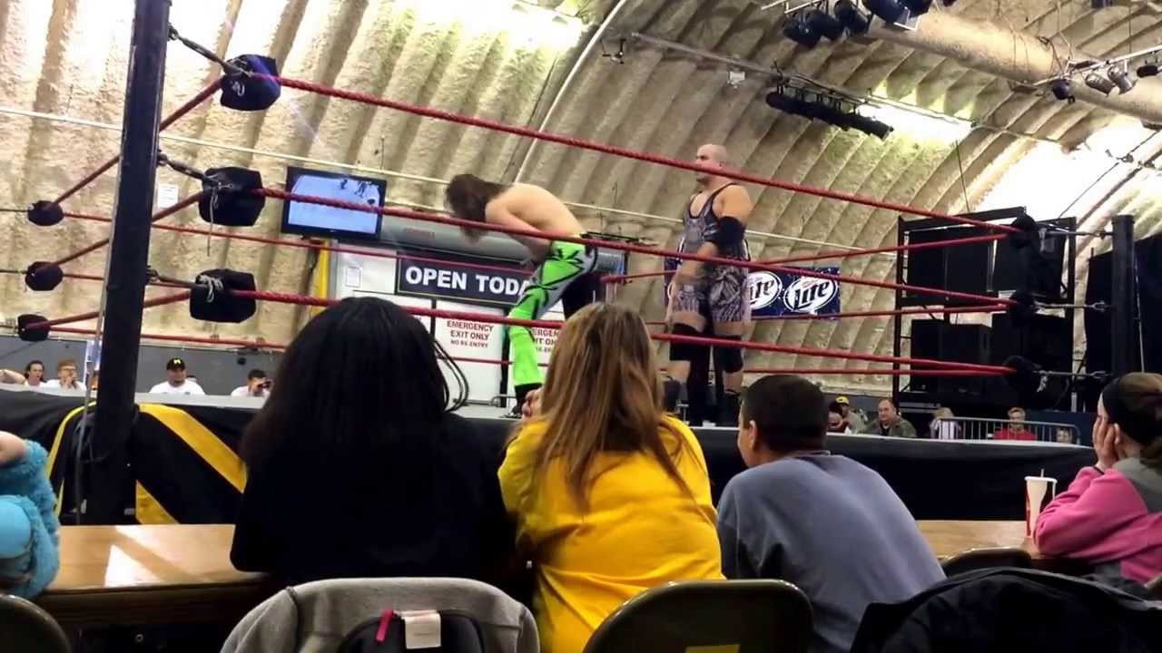 Displaying 20 gt  Images For - Batista Vs Brock Lesnar Ovw   Batista Vs Brock Lesnar Ovw