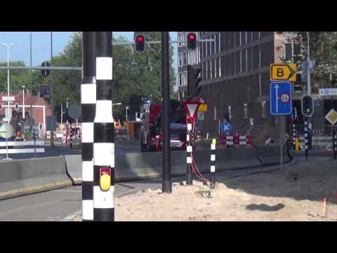Prio 1 Brandweer OVD 6893 + HV 6770 NTG Swaardvenstraat Tilburg Binnenbrand [ loos alarm ]