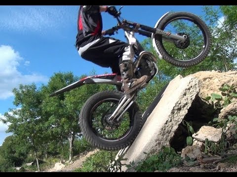 Trials & Enduro motorbike obstacle training on Jotagas 250cc 2013.