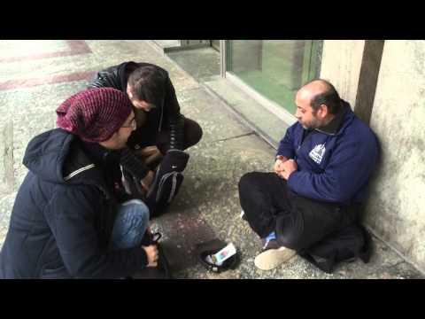 Македонецот што тргна на мисија да им помага на бездомниците низ Европа