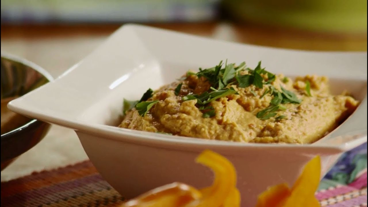Vegetarian recipes how to make roasted red pepper hummus for Recipe for roasted red pepper hummus