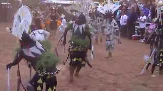 Cha Bii Tu Crown Dance Group