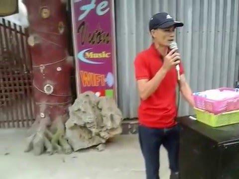 Ca sĩ NAM DƯƠNG đi hát rong bán bông tăm tìm vợ