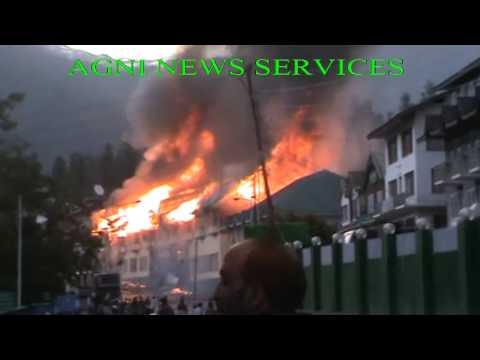ANANTNAG..FIRE BREAKS OUT AT MAIN MARKET IN PAHALGAM.