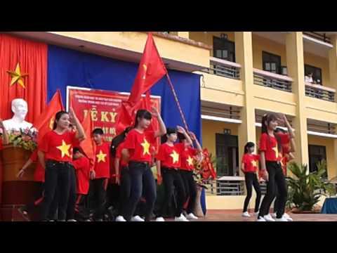 Dân vũ nối vòng tay lớn Trường THCS Cao Ngạn