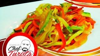 Deliciosa ensalada de vegetales salteados