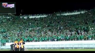 بالفيديو..شوفو التفاعل..الجماهير الرجاوية ترحب بطريقة رائعة مع دخول اللاعبين إلى أرضية الملعب  