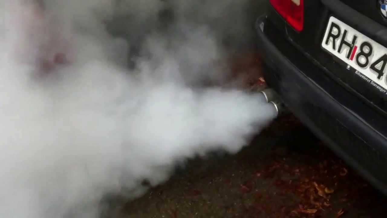 Bmw Smoke From Exhaust Youtube