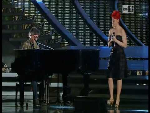 Noemi e Gaetano Curreri - Sono solo parole - Festival di Sanremo 2012 - quarta serata - 17.02.12