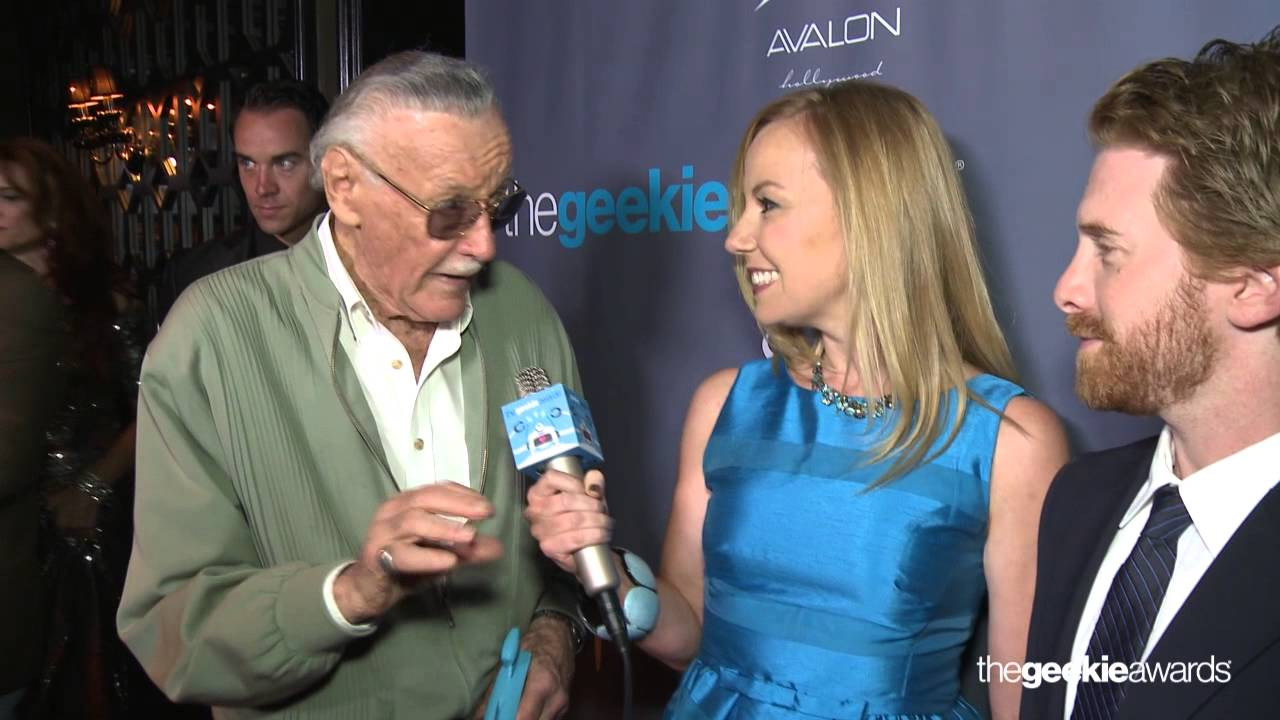 The Geekie Awards 2013: Kristyn Burtt interviews Stan Lee and Seth Green on the Red Carpet