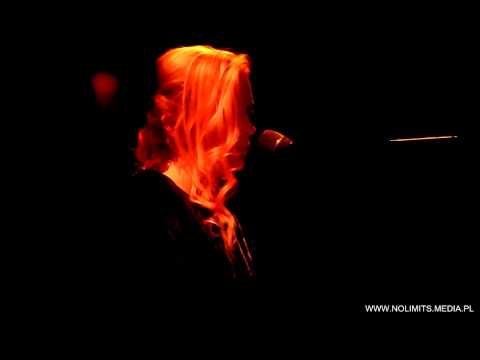 Agnes Obel - Fuel to fire [live in Warsaw]