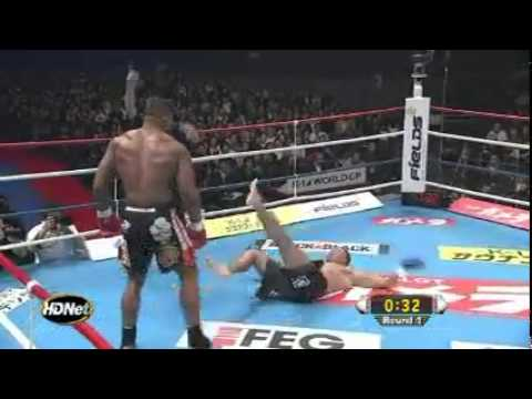 UFC 141 Brock Lesnar vs Alistair Overeem (The Voice & Joe Rogan's predictions)