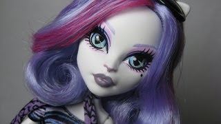 Monster High Catrine DeMew Makeup Tutorial