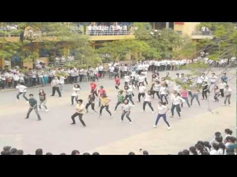 Flash mob Dân Lập Hải Phòng  -- We found the love (Club Can't Handle Me)