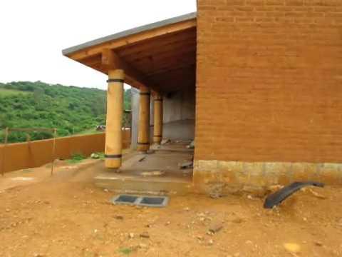 Konstrukcja domu z cegieł suszonych w słońcu