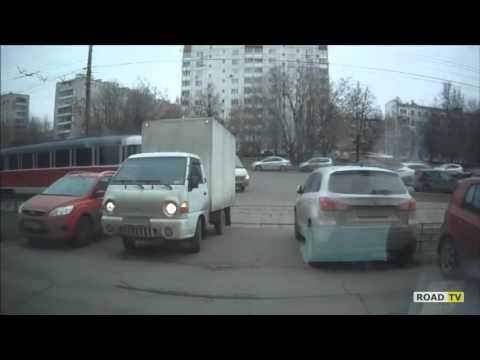 Москва, трамвай снес Hyundai Porter