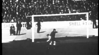 Benfica - 1 x Sporting - 1 de 1956/1957 - Golo de José Aguas (Benfica)
