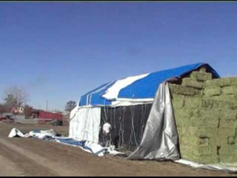Peterbilt 379 hauling hay