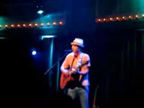 Jason Mraz - 40 Oz  Paradiso 2007