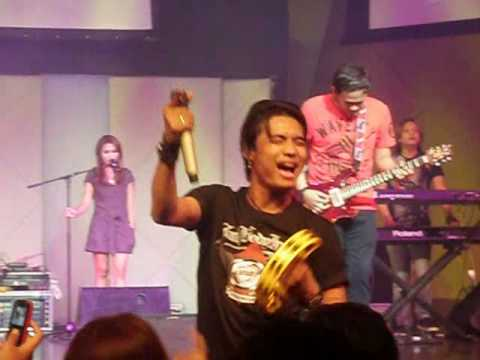 ST 12 Live in Singapore - PUSPA