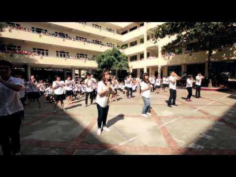 FlashMob Áo Trắng Đến Trường - Món quà ý nghĩa cho thầy cô ngày 20/11 - THPT Nguyễn Tất Thành