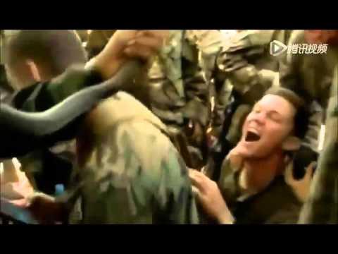 Thái Lan đãi lính Mỹ tập trận Hổ Mang Vàng uống máu rắn sống