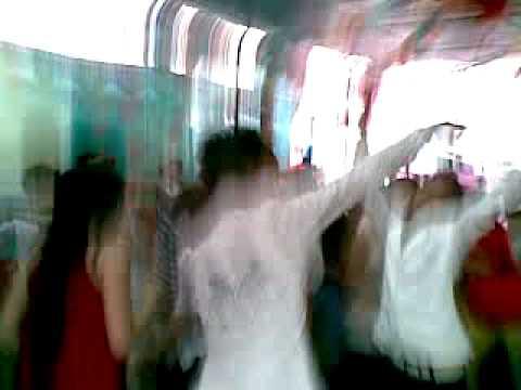 Hình ảnh trong video Nhay va hat cung chuc mung hanh phuc