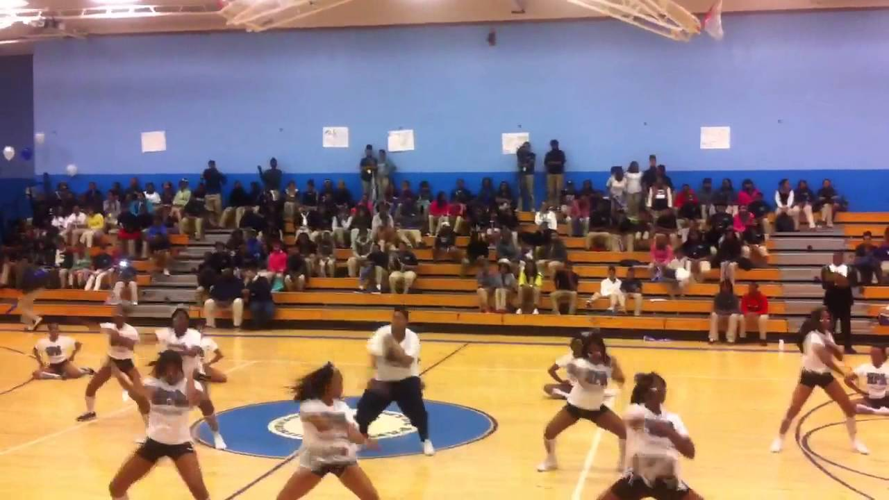 Hyde park high school pep rally cheerleaders youtube