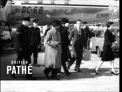 Dr. Banda Arrives In England (1960)