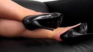 Dangling And Shoeplay With Black Bagatt High Heels
