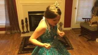 """8 Year Old Sings """"Let It Go"""" From Frozen"""