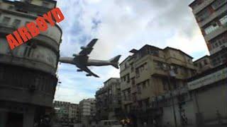 Di hongkong pesawat sangat rendah sekali terbang diatas pemukiman