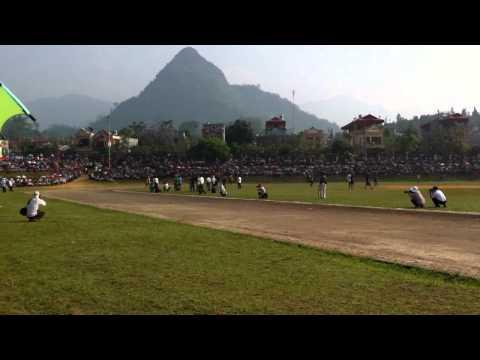 Hình ảnh trong video Đua ngựa Bắc Hà 29 5 2011 Bán kết