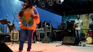Icess Madjoumba - Lumina