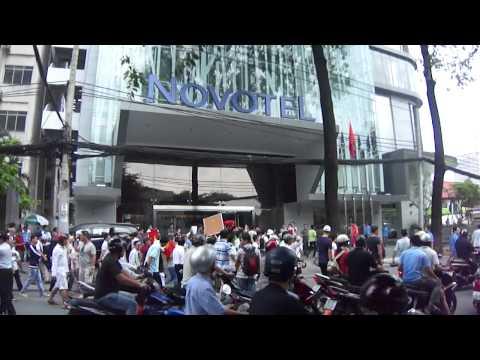Toàn Cảnh Biểu Tình Chống Trung Quốc Xâm Lược Ngày 1/7/2012 Tại Sài Gòn