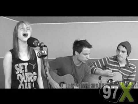Paramore Decode Acoustic (Green Room.97x), Rare Acoustic Green Room performance of Paramore's Single Decode