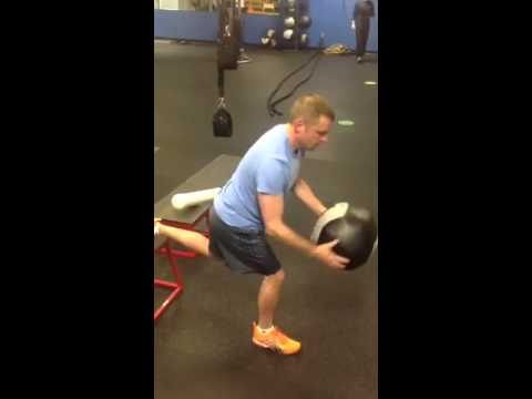 Split Squat med ball slam.