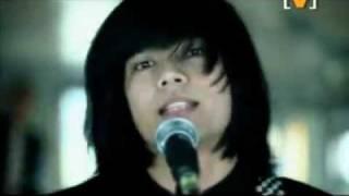 Hujan Mencari Konklusi (Official Music Video)