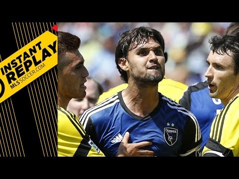 Chris Wondolowski, Referee take exception to