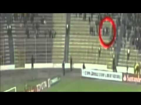 Scary Ghost appears during a match of the Copa Libertadores 2014   YouTube
