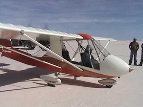 Vuelo en avion ultraliviano en el Salar de Uyuni