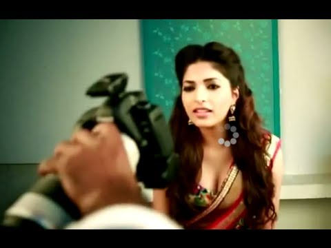 Parvathy Omanakuttan Photo Shoot - Behind the Scenes